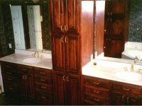 bathroom-vanity-with-oak-cabinets