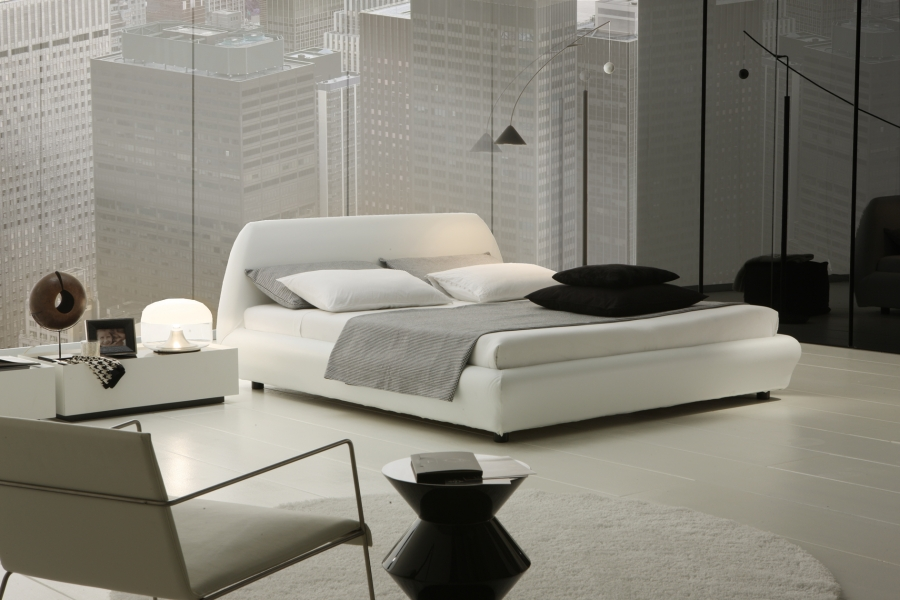 black-and-white-bedroom-decor