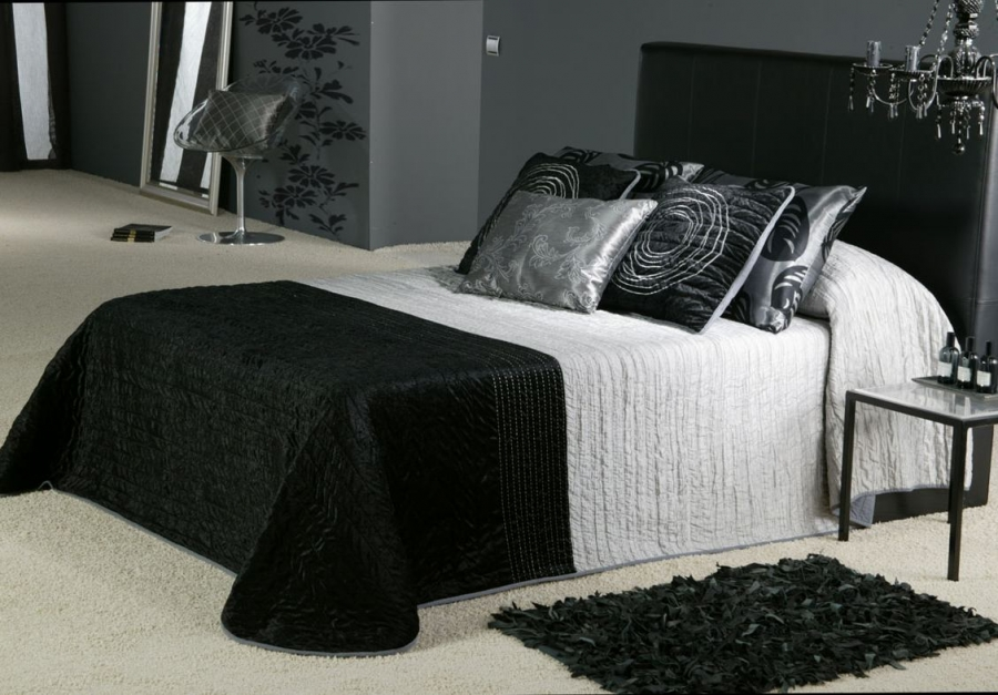black-and-white-bedroom-design-ideas