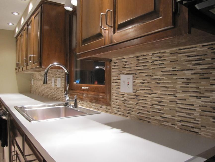 brown-kitchen-backsplash-designs