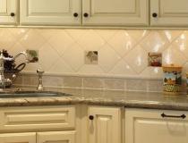marble-kitchen-backsplash