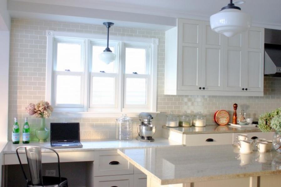 white-kitchen-backsplash