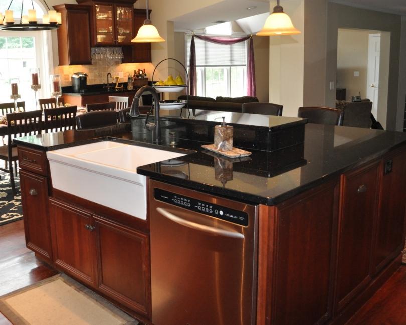 black-kitchen-countertops
