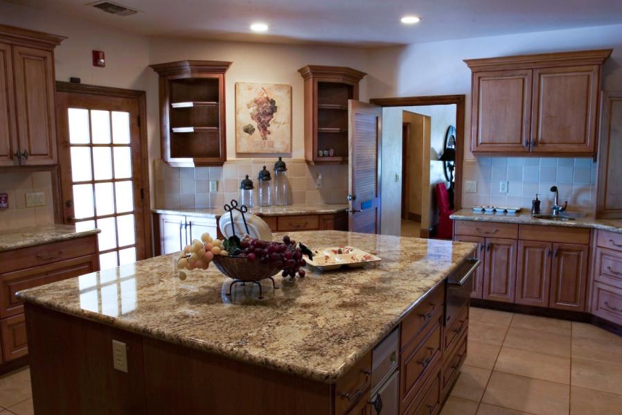 kitchen-island-granite-countertos