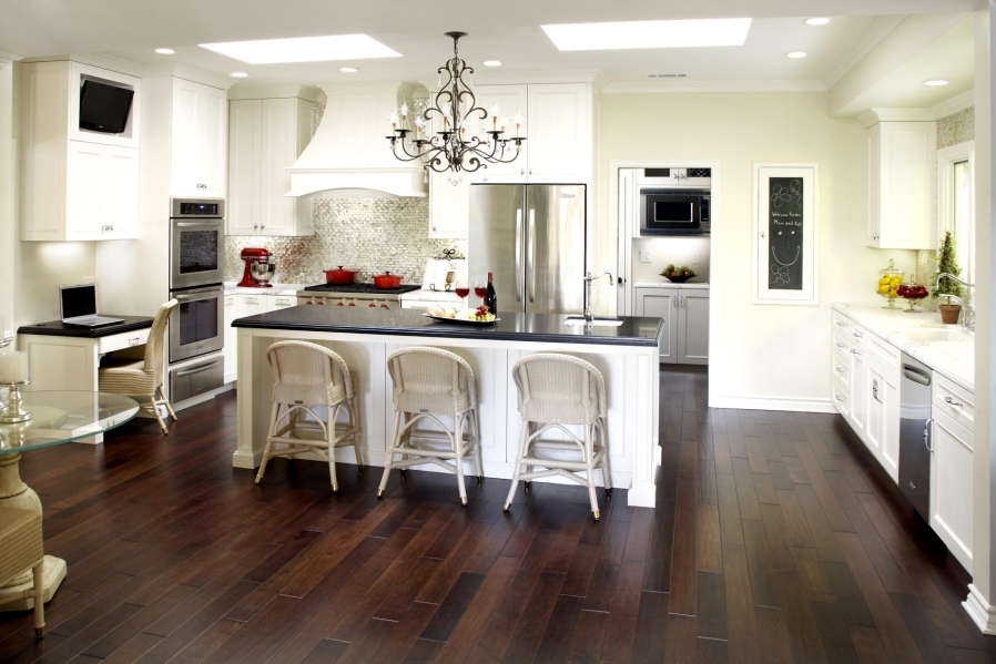 white-kitchen-islands