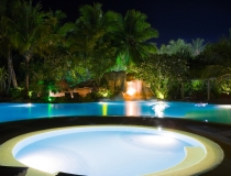 beautiful-poolside-lights