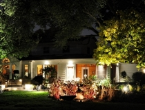landscape-lighting-for-front-yard