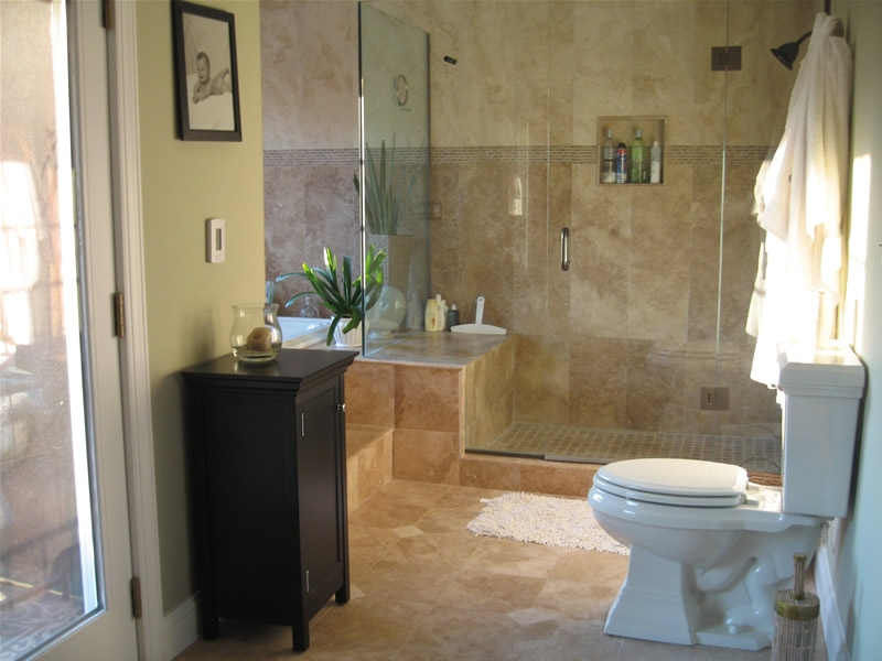 Small bathroom designs picture gallery qnud for Images of bathroom remodel ideas