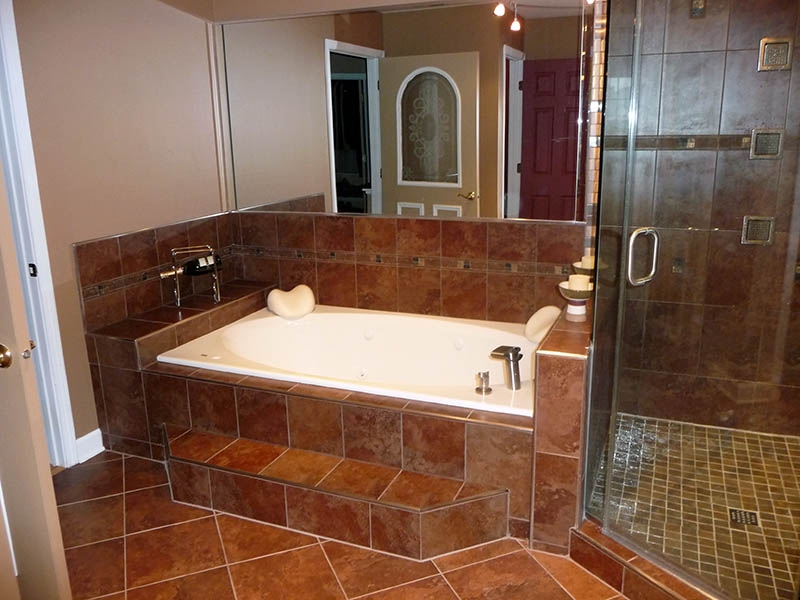 Small bathroom designs picture gallery qnud for Bathroom remodel ideas pictures