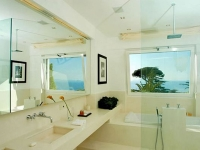decorating-ideas-for-small-bathrooms
