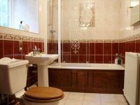 tile-ideas-for-a-small-bathroom