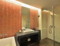 lighting-ideas-for-a-small-bathroom