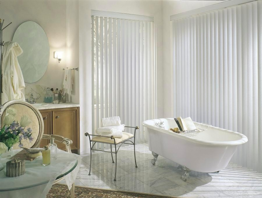 bathroom window treatment ideas