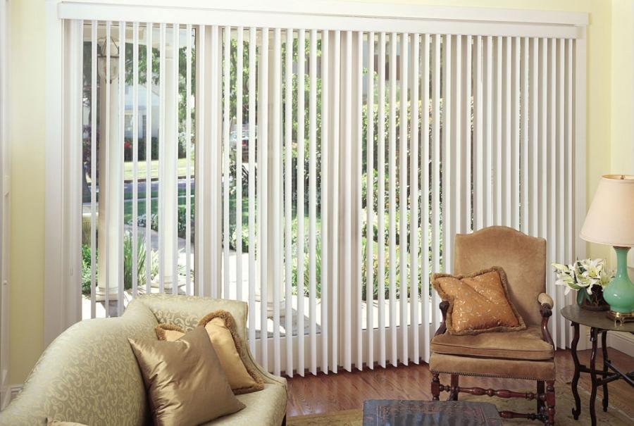 white-vertical-blinds