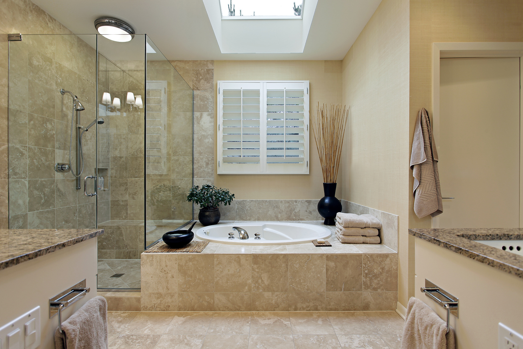 The top ideas and designs to enhance any ensuite bathroom qnud - Bathroom Tile Designs