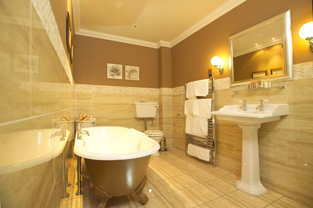 The top ideas and designs to enhance any ensuite bathroom qnud - Pictures For The Top 20 Small Bathroom Design Ideas For 2014 Bathroom Vanity Mirrors