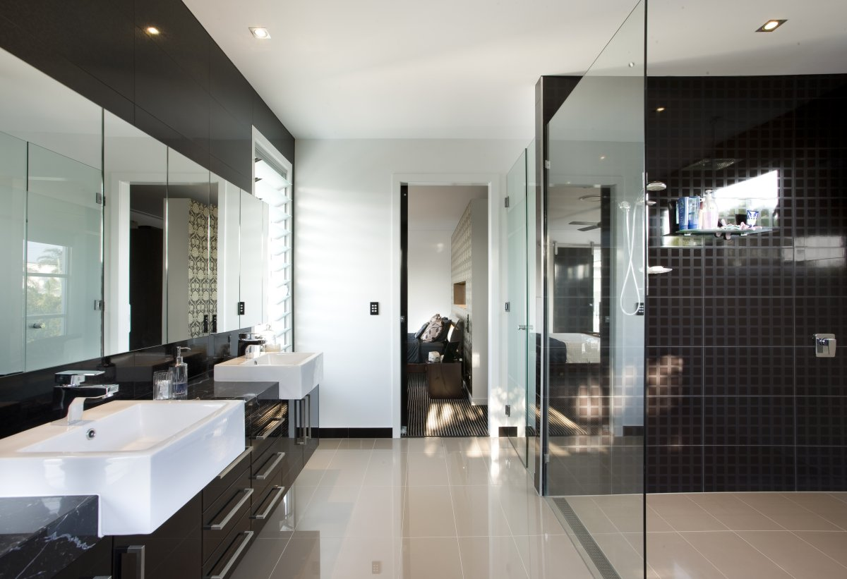 Black and White Bathroom (6219)