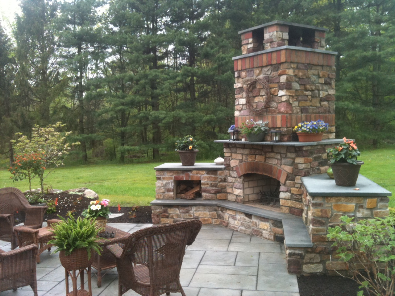 Top 21 Designs for the Outdoor Fireplace - Qnud on Brick Outdoor Fireplace Ideas id=34594