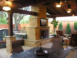 Cobblestone Patio Fireplace