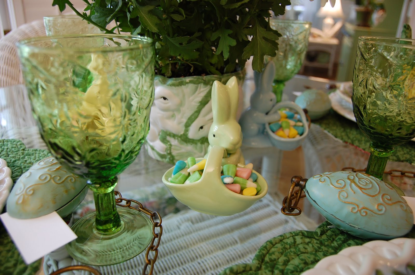 Easter centerpieces 6155 - Easter table decorations meals special ...