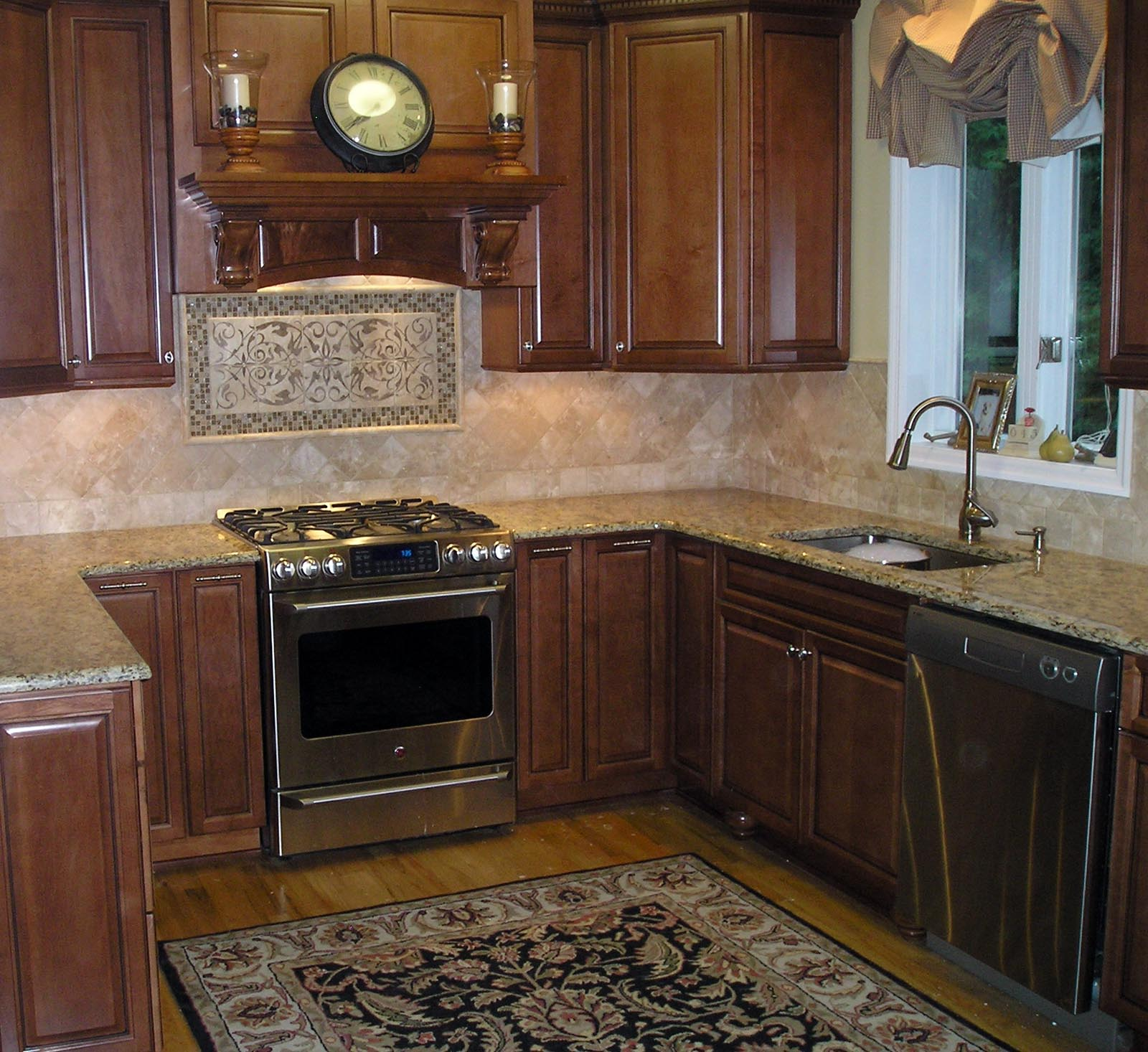 kitchen tile backsplash ideas. wide plank floors glazed subway