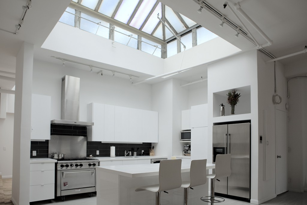 25 Captivating Ideas For Kitchens With Skylights: Top 25 Ideas To Spruce Up The Kitchen Decor In 2014