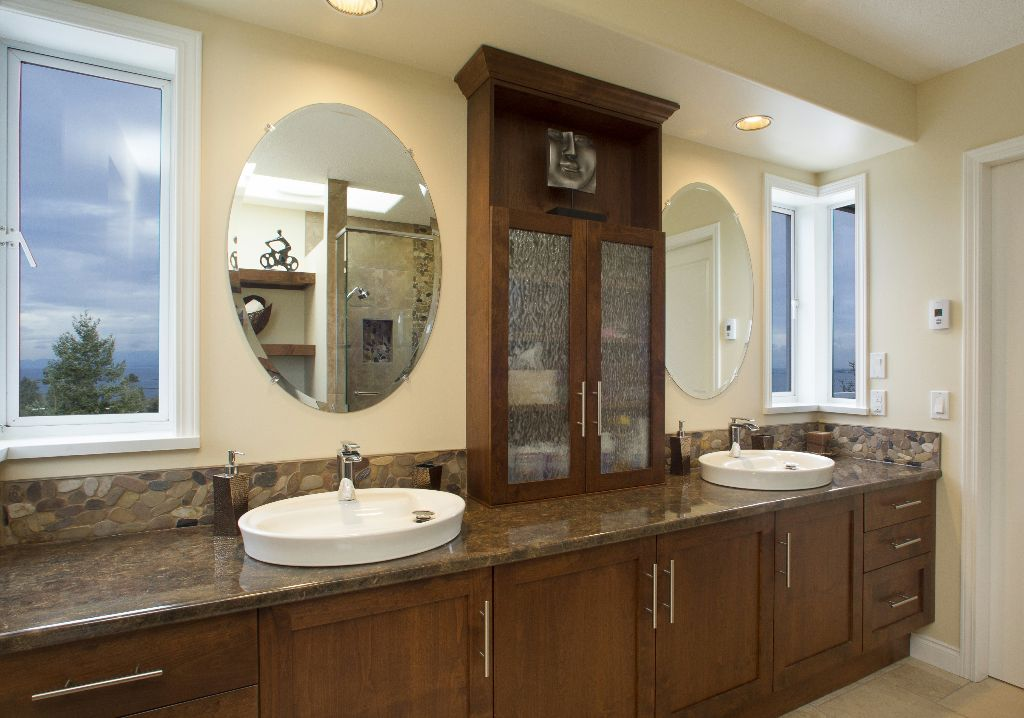 The top ideas and designs to enhance any ensuite bathroom for Large bathroom designs pictures