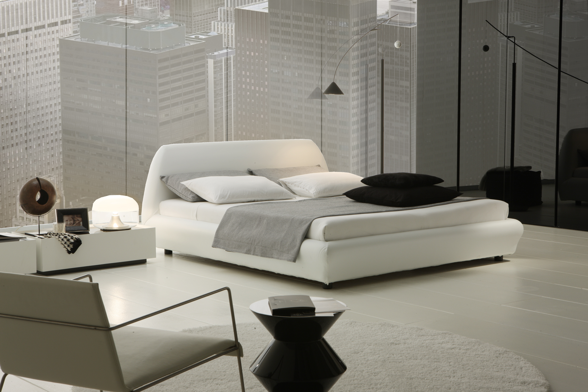 Top 21 modern bedrooms for 2014 qnud for Modern bedroom