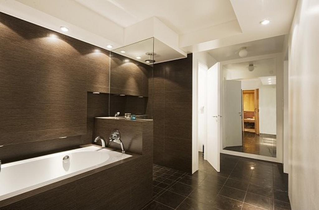 Modern small bathroom design ideas 6708 for Restroom design pictures
