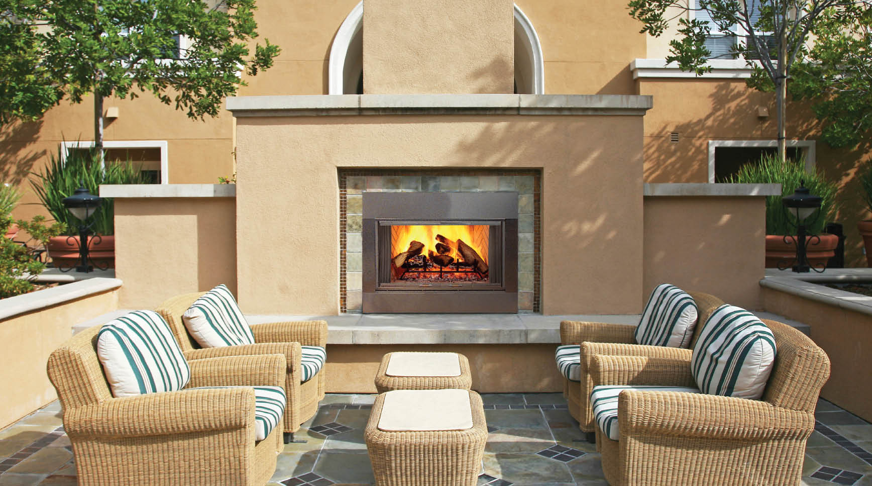 Top 21 designs for the outdoor fireplace qnud for Outdoor gas fireplace designs