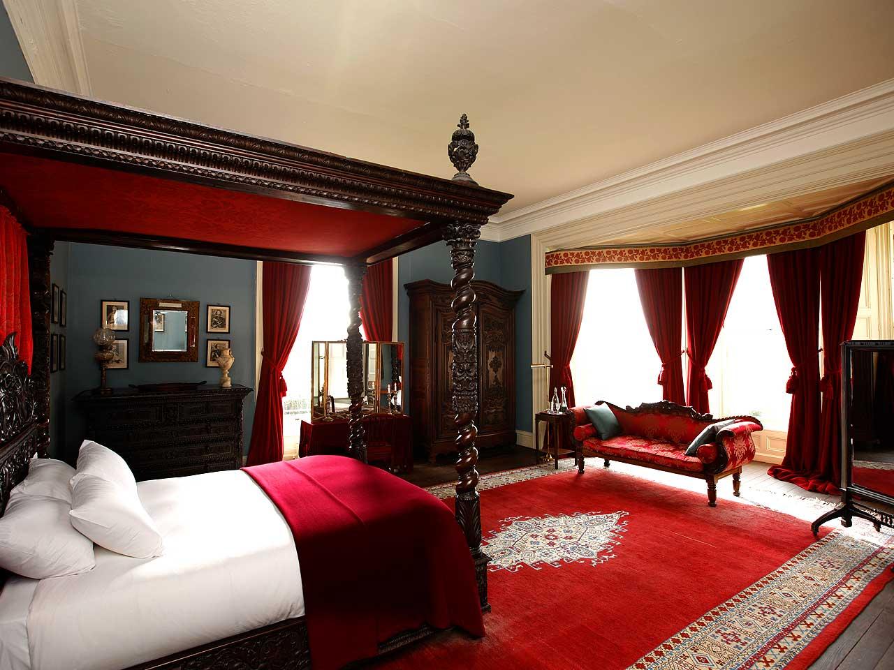 10 Most Popular Master Bedroom Designs for 2014 - Qnud