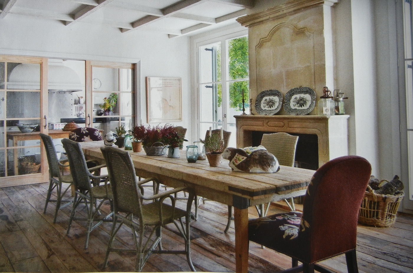 Superbe Rustic Dining Table