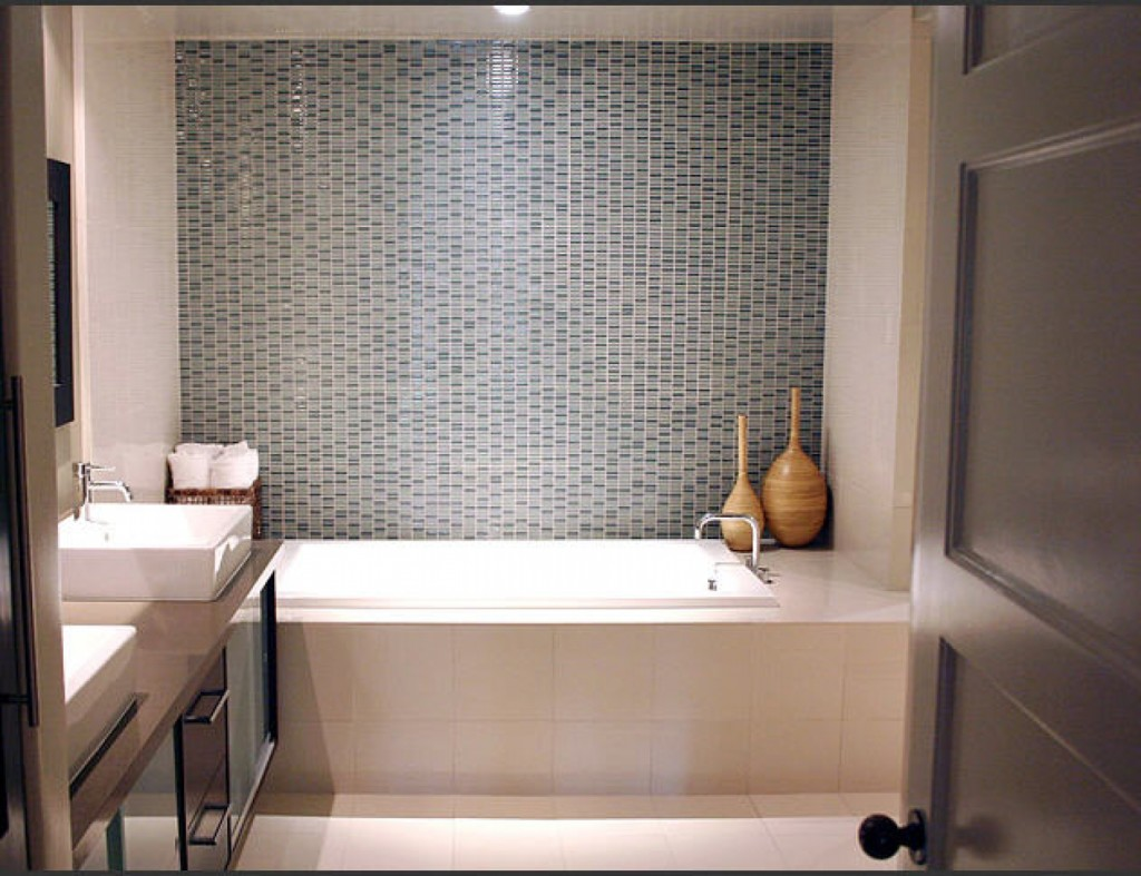 Small Bathroom Ideas for the Shower Tile