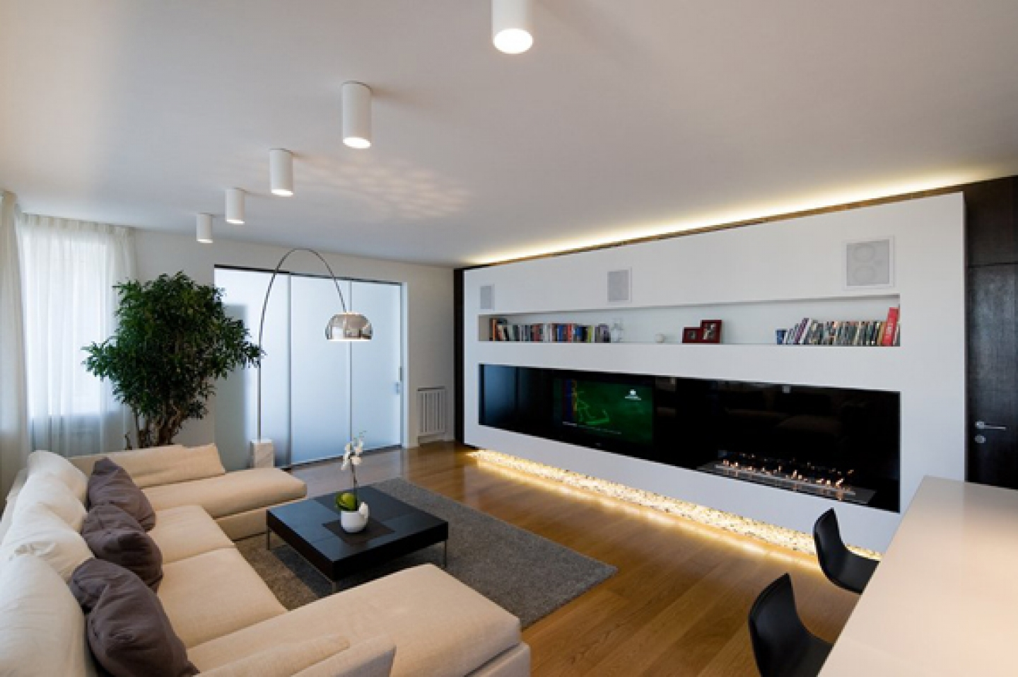 Ultra Modern Modern Living Room
