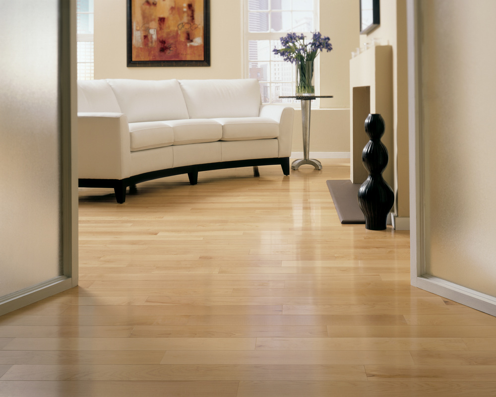White oak hardwood flooring 6385 for Living room ideas oak flooring